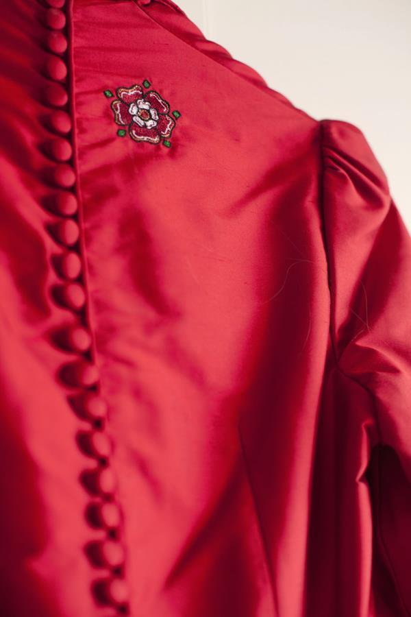 The-couture-company-alterantive-bespoke-wedding-dresses-Regula-Red-dress (1)