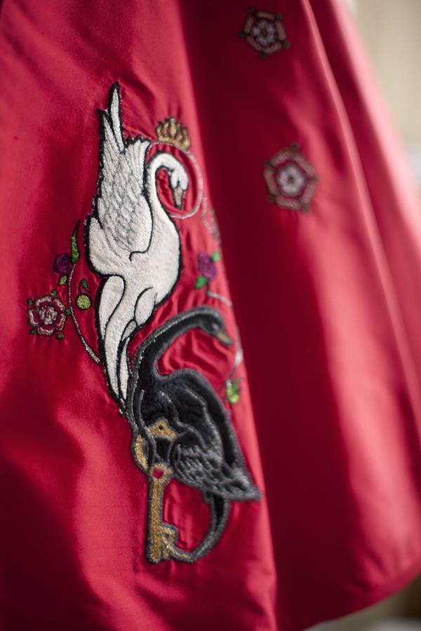 The-couture-company-alterantive-bespoke-wedding-dresses-Regula-Red-dress (11)