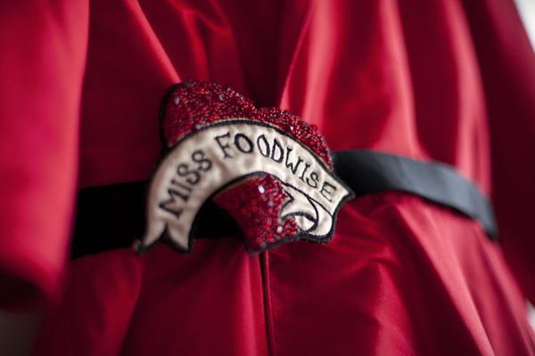 The-couture-company-alterantive-bespoke-wedding-dresses-Regula-Red-dress (16)