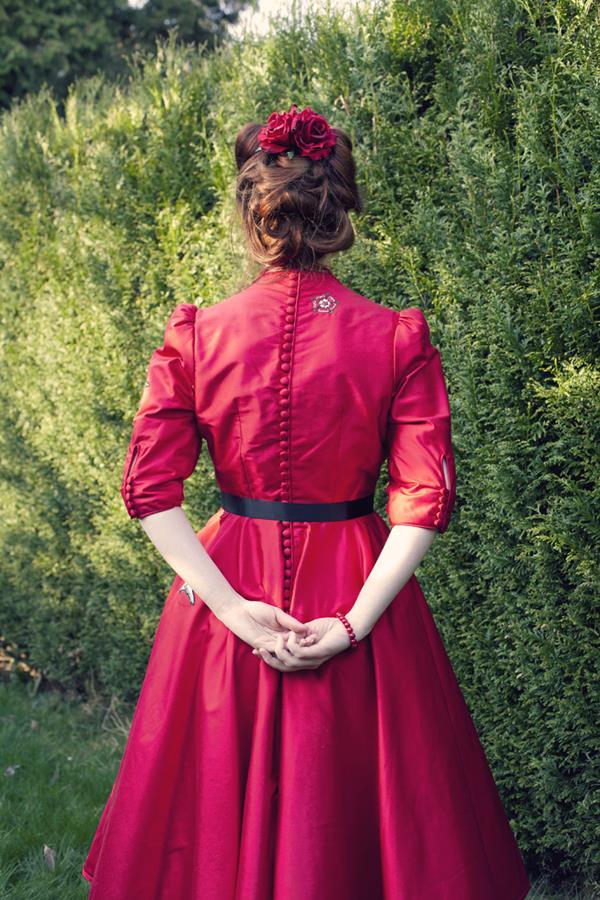 The-couture-company-alterantive-bespoke-wedding-dresses-Regula-Red-dress (5)
