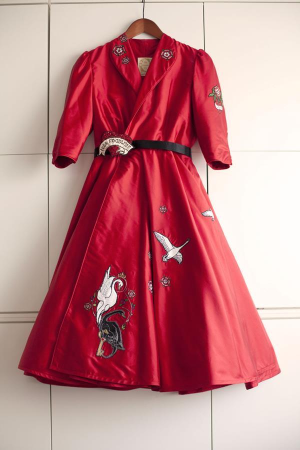 The-couture-company-alterantive-bespoke-wedding-dresses-Regula-Red-dress (8)