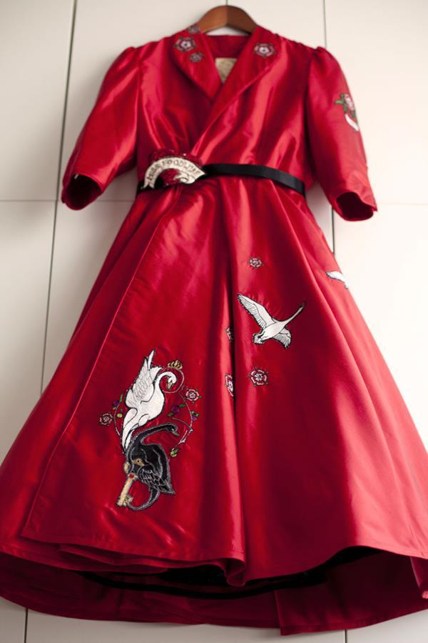 The-couture-company-alterantive-bespoke-wedding-dresses-Regula-Red-dress (9)