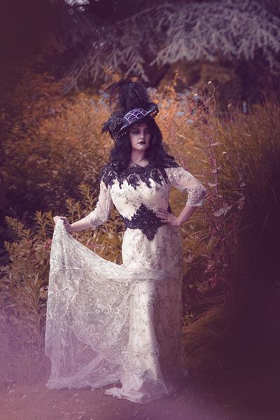 The-couture-company-alternative-bespoke-wedding-dresses-and-corset-black-white-blue-unusual-quirky-custom-made-gothic-fairytale (3)