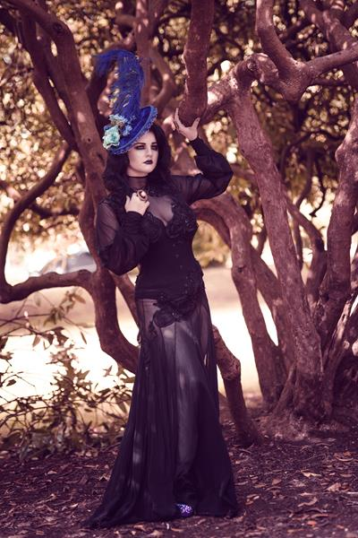The-couture-company-alternative-bespoke-wedding-dresses-and-corset-black-white-blue-unusual-quirky-custom-made-gothic-fairytale (8)