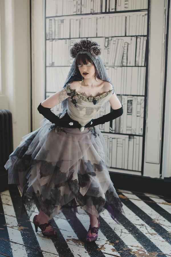 The-couture-company-bespoke-gothic-vintage-alternative-wedding-dresses-tim-burton-black-lace-vampy-victorian-photo-Nicki-Feltham (12)