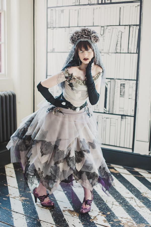 The-couture-company-bespoke-gothic-vintage-alternative-wedding-dresses-tim-burton-black-lace-vampy-victorian-photo-Nicki-Feltham (13)
