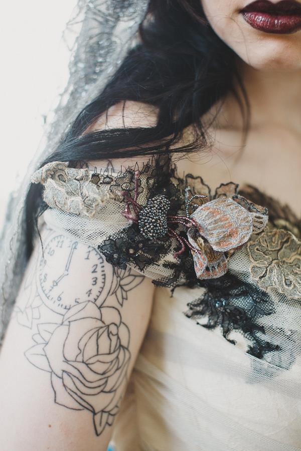 The-couture-company-bespoke-gothic-vintage-alternative-wedding-dresses-tim-burton-black-lace-vampy-victorian-photo-Nicki-Feltham (15)