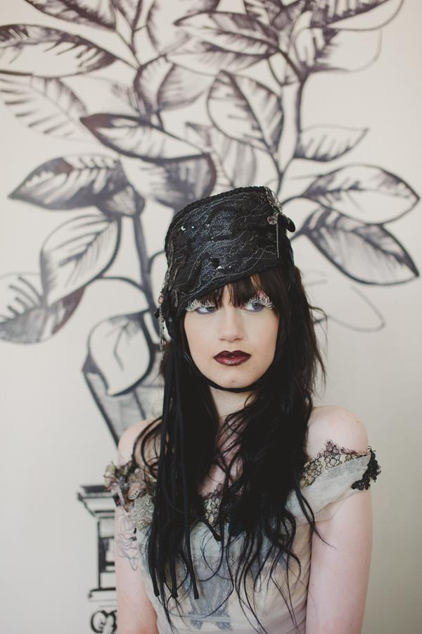The-couture-company-bespoke-gothic-vintage-alternative-wedding-dresses-tim-burton-black-lace-vampy-victorian-photo-Nicki-Feltham (17)