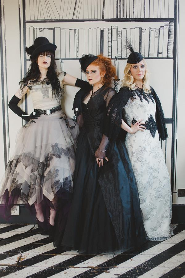 The-couture-company-bespoke-gothic-vintage-alternative-wedding-dresses-tim-burton-black-lace-vampy-victorian-photo-Nicki-Feltham (20)