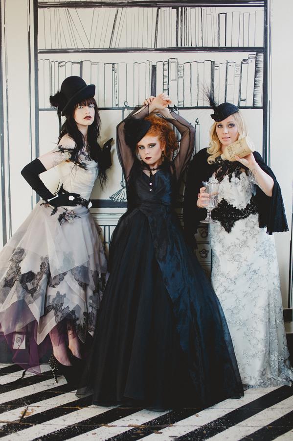 The-couture-company-bespoke-gothic-vintage-alternative-wedding-dresses-tim-burton-black-lace-vampy-victorian-photo-Nicki-Feltham (24)