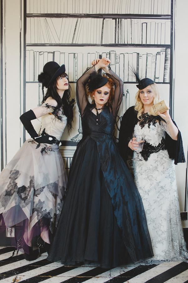 The-couture-company-bespoke-gothic-vintage-alternative-wedding-dresses-tim-burton-black-lace-vampy-victorian-photo-Nicki-Feltham (25)