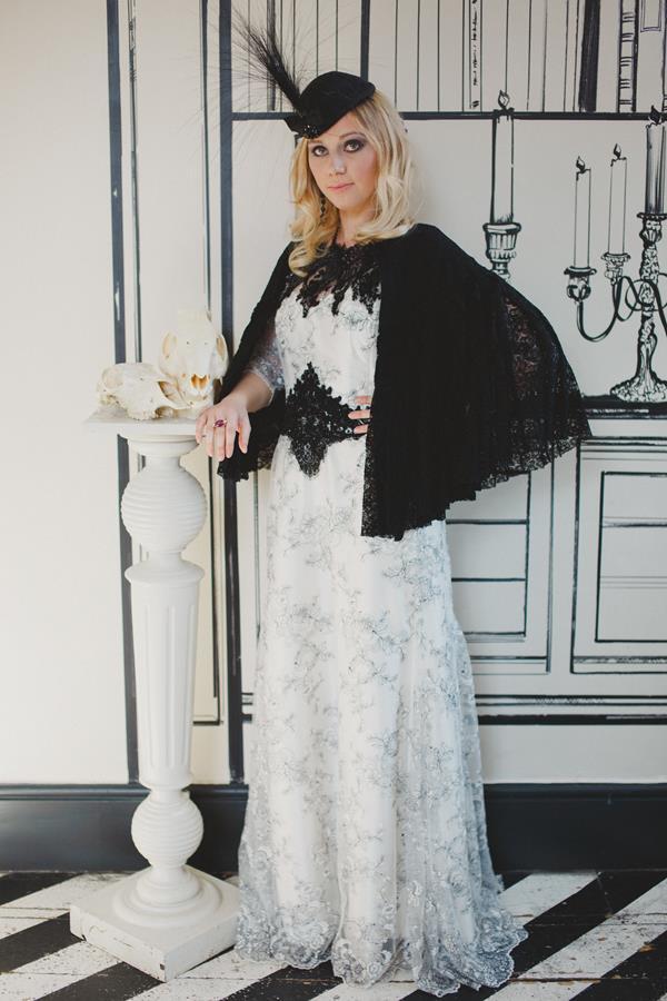 The-couture-company-bespoke-gothic-vintage-alternative-wedding-dresses-tim-burton-black-lace-vampy-victorian-photo-Nicki-Feltham (26)