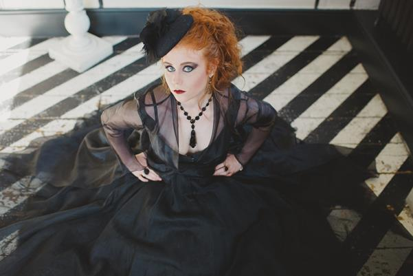 The-couture-company-bespoke-gothic-vintage-alternative-wedding-dresses-tim-burton-black-lace-vampy-victorian-photo-Nicki-Feltham (30)