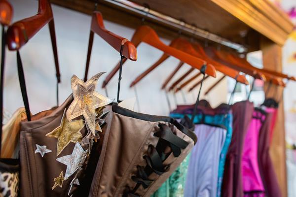 the-couture-company-new-shop-boutique-alternative-unique-wedding-bridal-dresses-dress-gowns-quirky-unusual-coloured-lee-allen-photography (17)