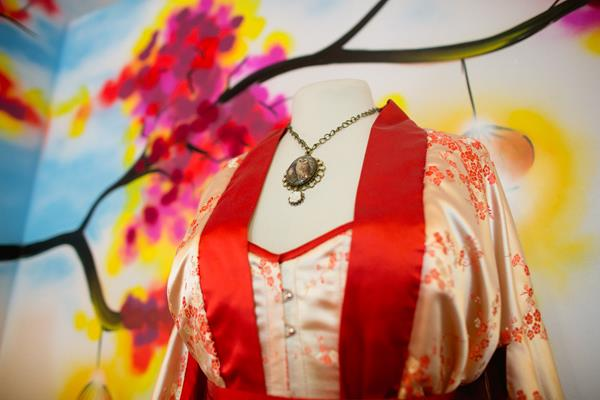 the-couture-company-new-shop-boutique-alternative-unique-wedding-bridal-dresses-dress-gowns-quirky-unusual-coloured-lee-allen-photography (32)