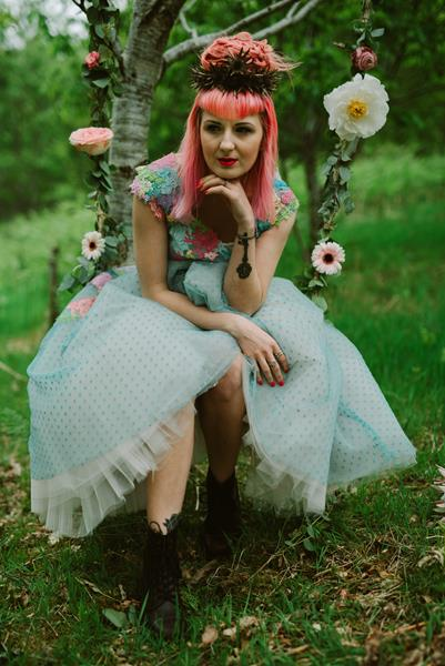 The-couture-company-bespoke-unique-creative-designer-wedding-dresses-bridal-gowns-QUIRKY-unusual-coloured-lace-bridal-gown-by-tub-of-jelly-photography (29) (Copy)