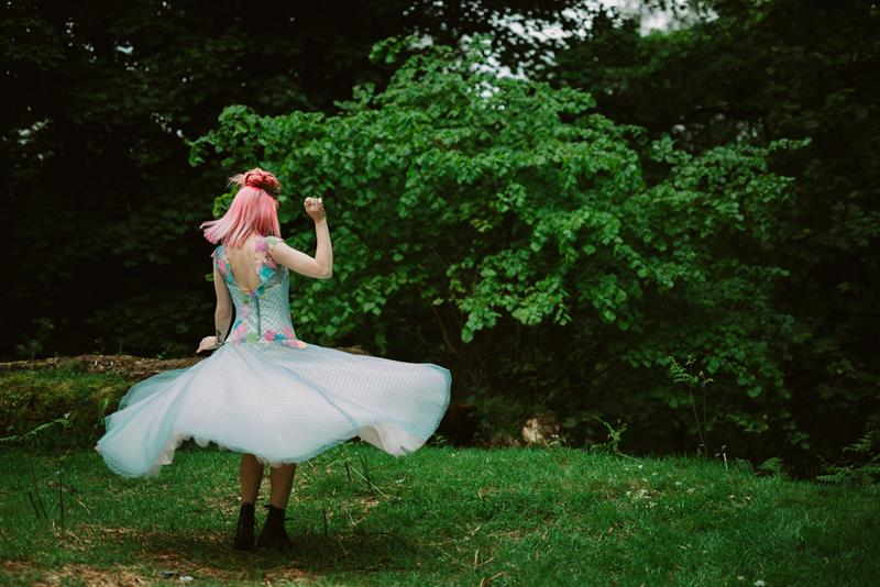 The-couture-company-bespoke-unique-creative-designer-wedding-dresses-bridal-gowns-QUIRKY-unusual-coloured-lace-bridal-gown-by-tub-of-jelly-photography (35) (Copy)