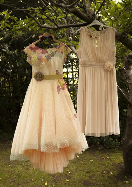 the-couture-company-alternative-bespoke-wedding-dresses-quirky-dress-polka-dot-spotty-hilo-autumn-colors-coloured-festival-bride (6)