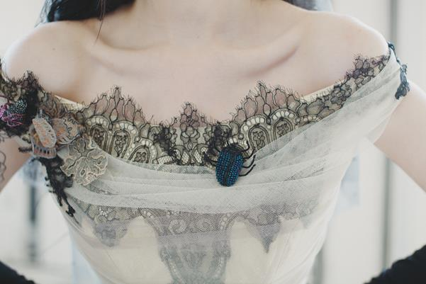 The-couture-company-bespoke-gothic-vintage-alternative-wedding-dresses-tim-burton-black-lace-vampy-victorian-photo-Nicki-Feltham (11)