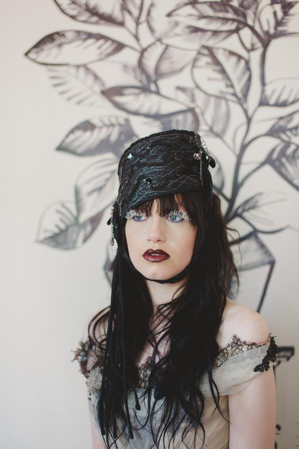 The-couture-company-bespoke-gothic-vintage-alternative-wedding-dresses-tim-burton-black-lace-vampy-victorian-photo-Nicki-Feltham (16)