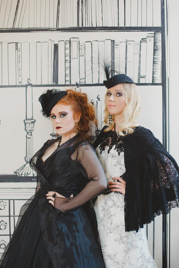 The-couture-company-bespoke-gothic-vintage-alternative-wedding-dresses-tim-burton-black-lace-vampy-victorian-photo-Nicki-Feltham (18)
