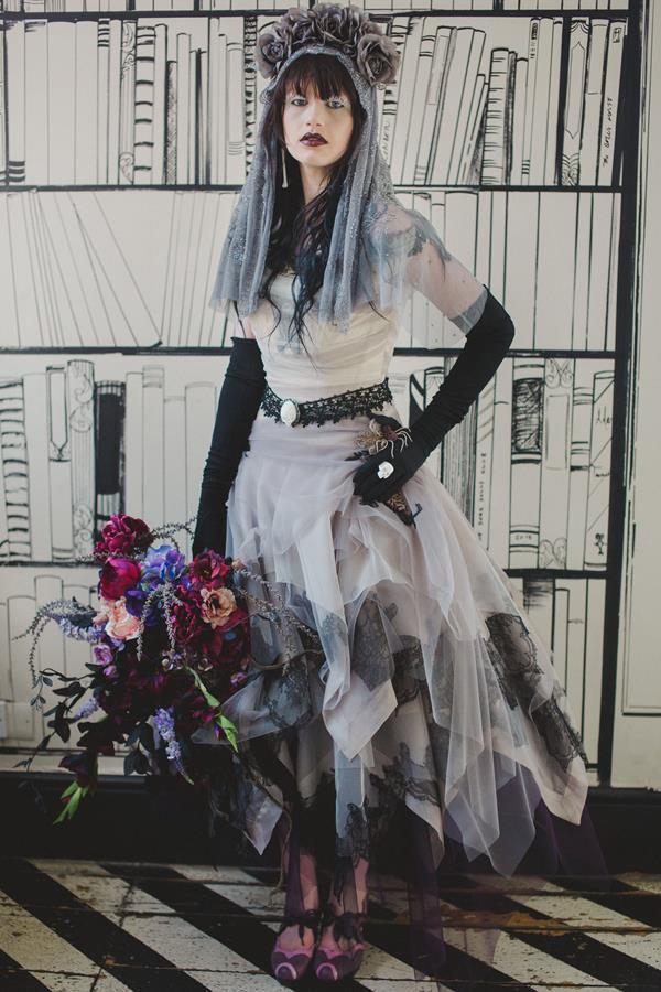 The-couture-company-bespoke-gothic-vintage-alternative-wedding-dresses-tim-burton-black-lace-vampy-victorian-photo-Nicki-Feltham (2)