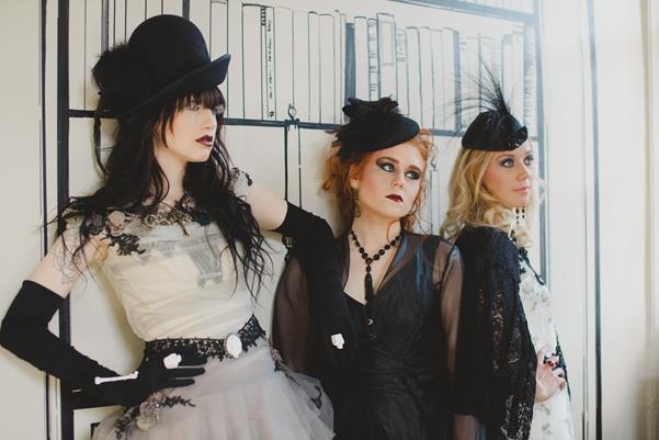The-couture-company-bespoke-gothic-vintage-alternative-wedding-dresses-tim-burton-black-lace-vampy-victorian-photo-Nicki-Feltham (22)