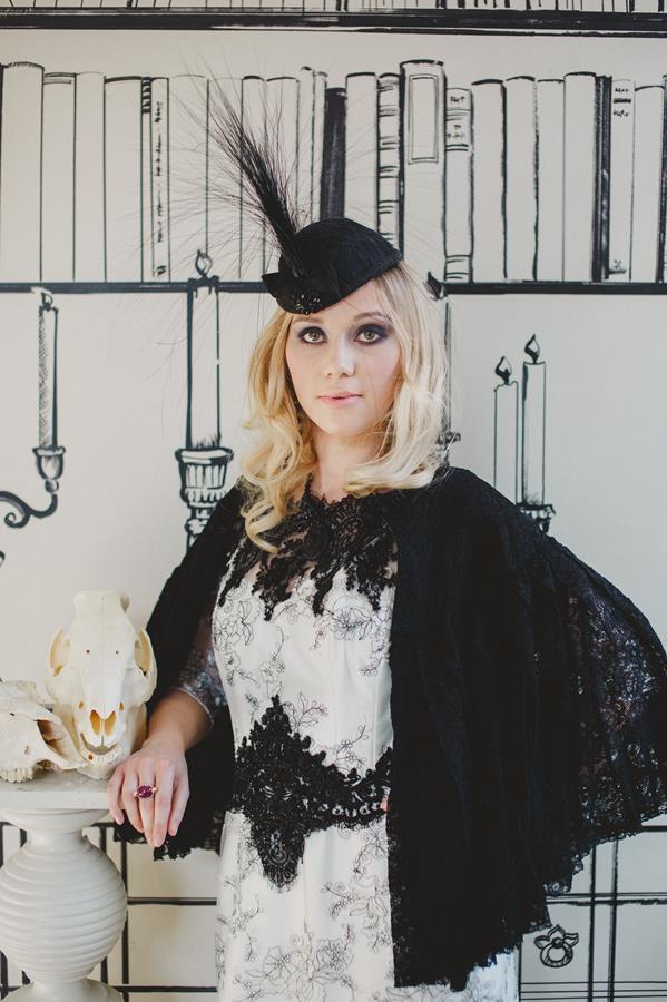 The-couture-company-bespoke-gothic-vintage-alternative-wedding-dresses-tim-burton-black-lace-vampy-victorian-photo-Nicki-Feltham (27)