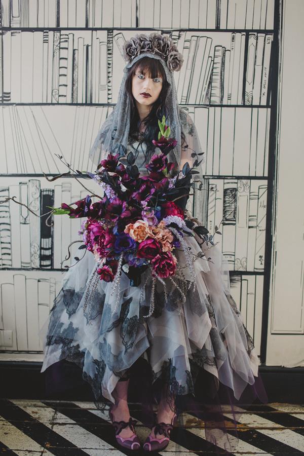 The-couture-company-bespoke-gothic-vintage-alternative-wedding-dresses-tim-burton-black-lace-vampy-victorian-photo-Nicki-Feltham (5)