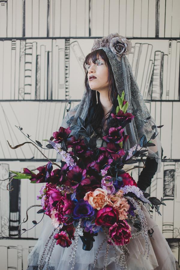 The-couture-company-bespoke-gothic-vintage-alternative-wedding-dresses-tim-burton-black-lace-vampy-victorian-photo-Nicki-Feltham (6)