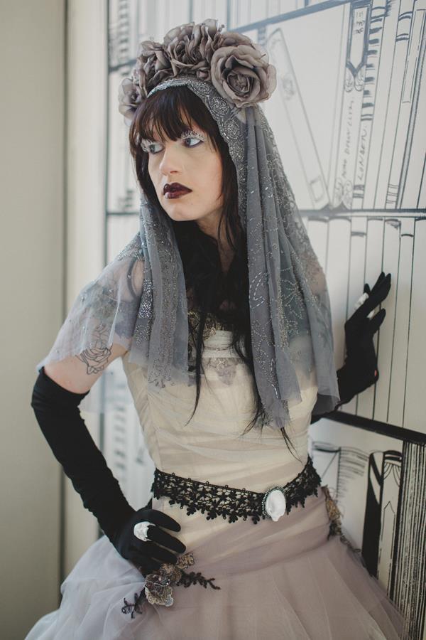 The-couture-company-bespoke-gothic-vintage-alternative-wedding-dresses-tim-burton-black-lace-vampy-victorian-photo-Nicki-Feltham (8)