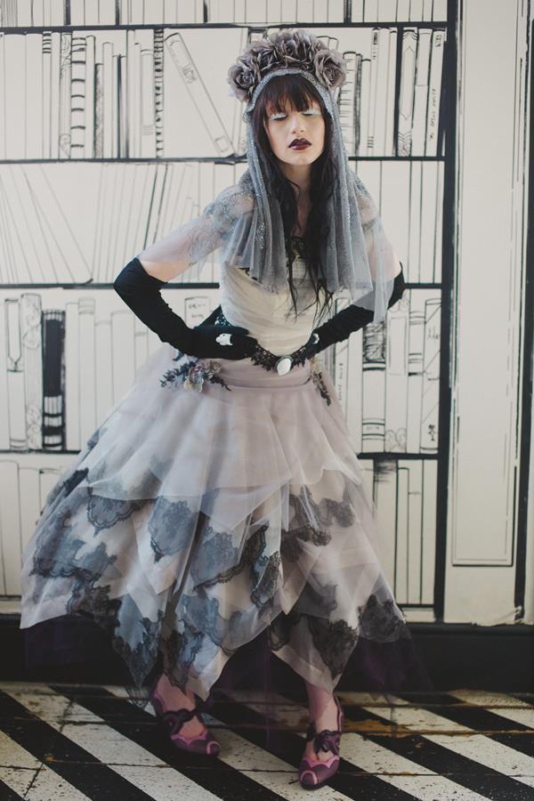 The-couture-company-bespoke-gothic-vintage-alternative-wedding-dresses-tim-burton-black-lace-vampy-victorian-photo-Nicki-Feltham (9)