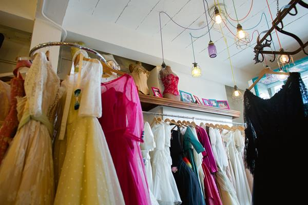 the-couture-company-new-shop-boutique-alternative-unique-wedding-bridal-dresses-dress-gowns-quirky-unusual-coloured-lee-allen-photography (14)