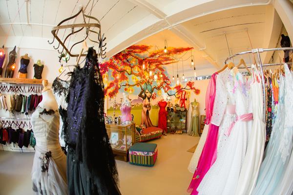 the-couture-company-new-shop-boutique-alternative-unique-wedding-bridal-dresses-dress-gowns-quirky-unusual-coloured-lee-allen-photography (58)